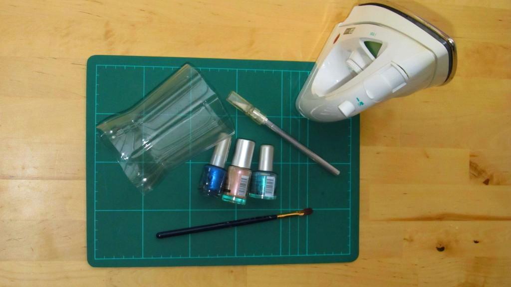 Armreifen aus Plastikflaschen