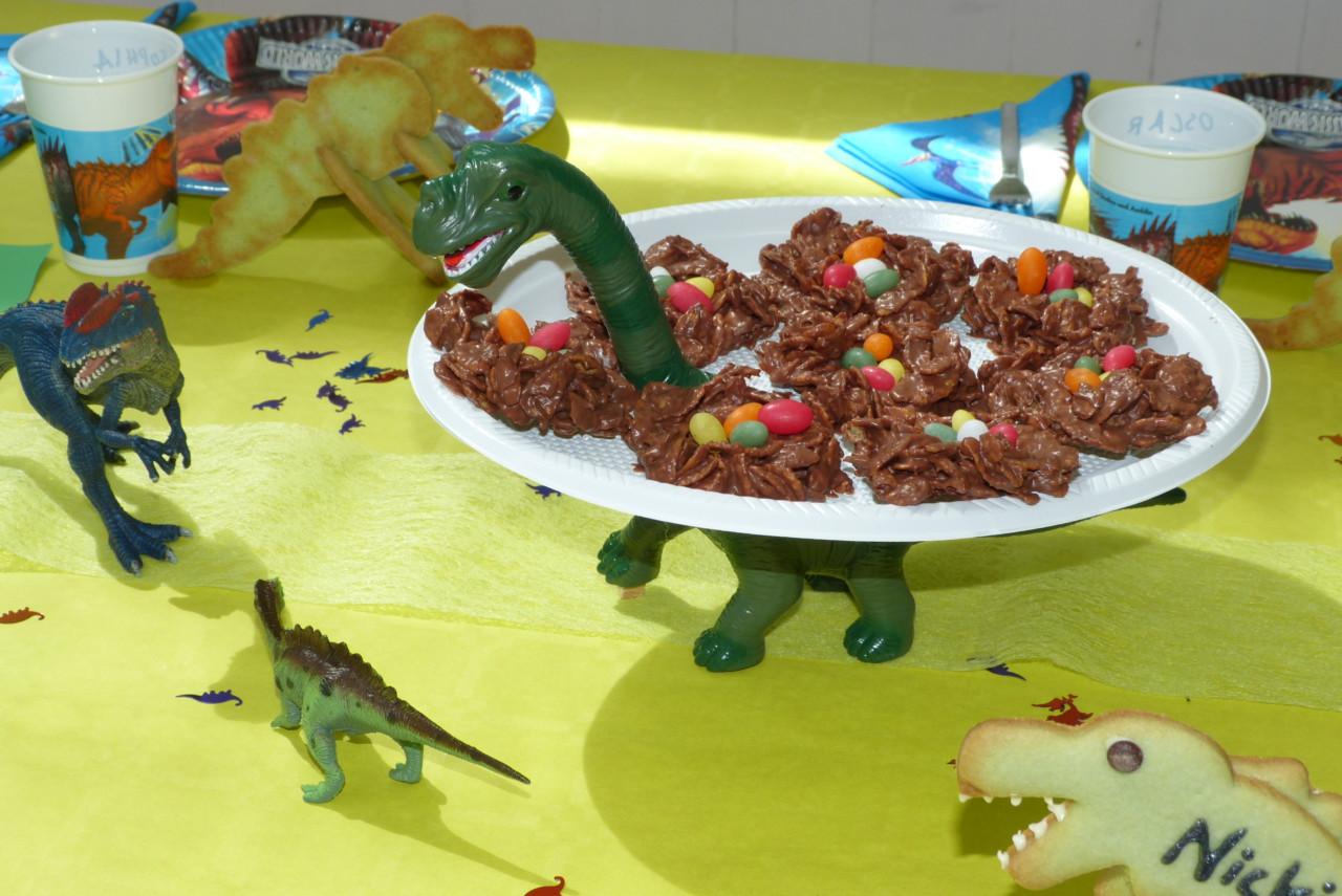 Dino-Nester